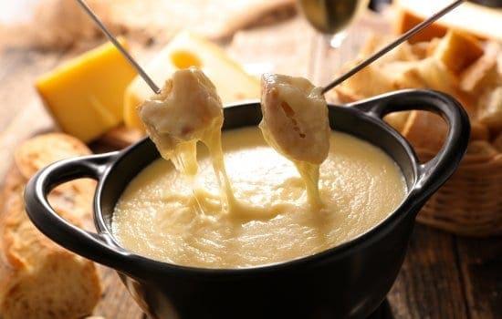 Easy Cheese Fondue Recipe