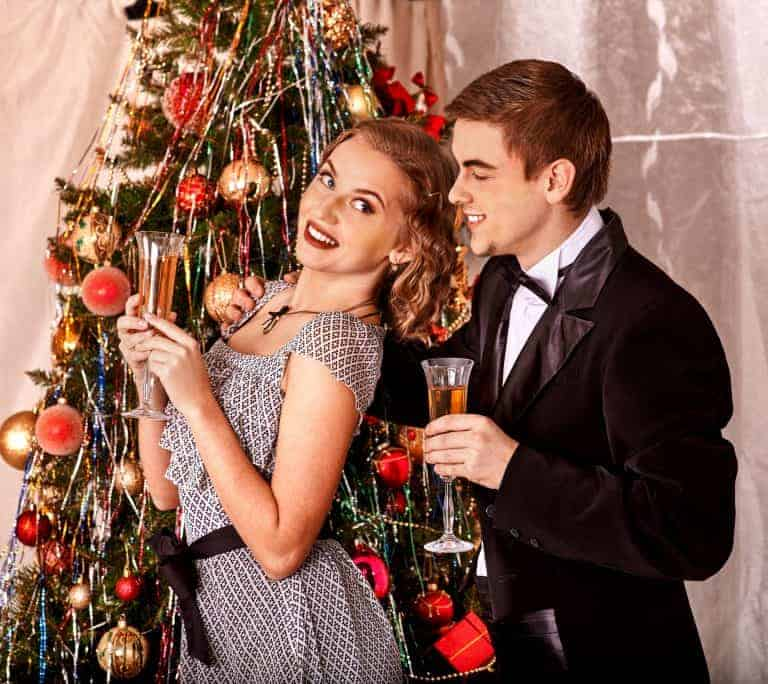 12 Tips & Tricks for a Vintage Inspired Holiday Cocktail Party